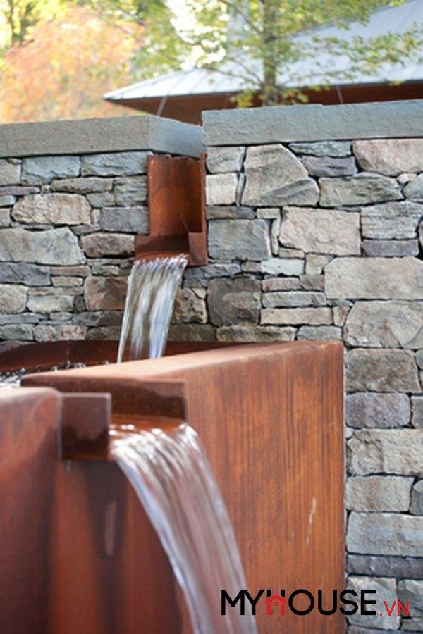sân vườn biệt thự nước chảy róc rách